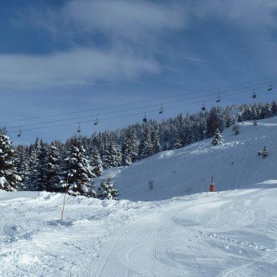 Vue sur les pistes de ski